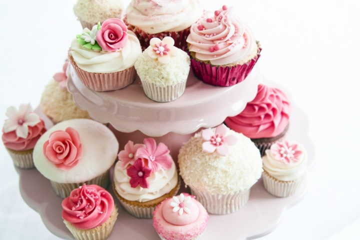 cupcake-tower-Pink-Flowers