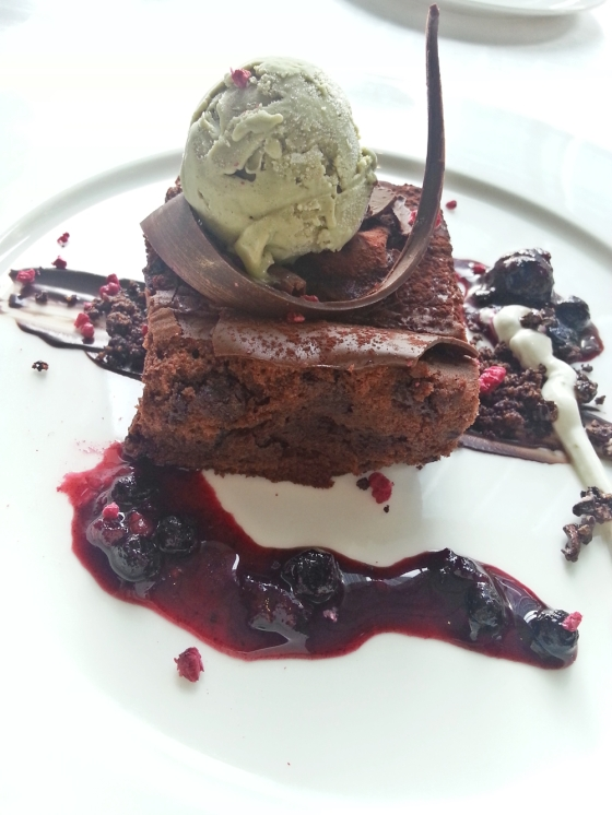 chocolate cake with pistachio icecream
