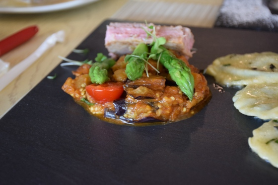 Mini tuna steak with eggplant