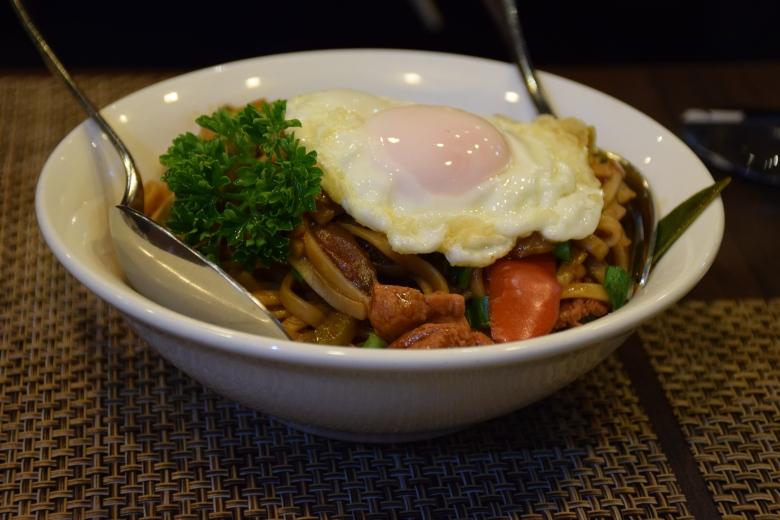 Stir fry sukiyaki udon
