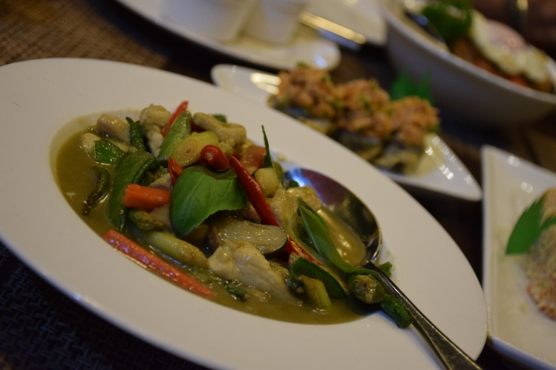 Thai Gaeng Kiew wan pak (Aka Thai Green Curry)