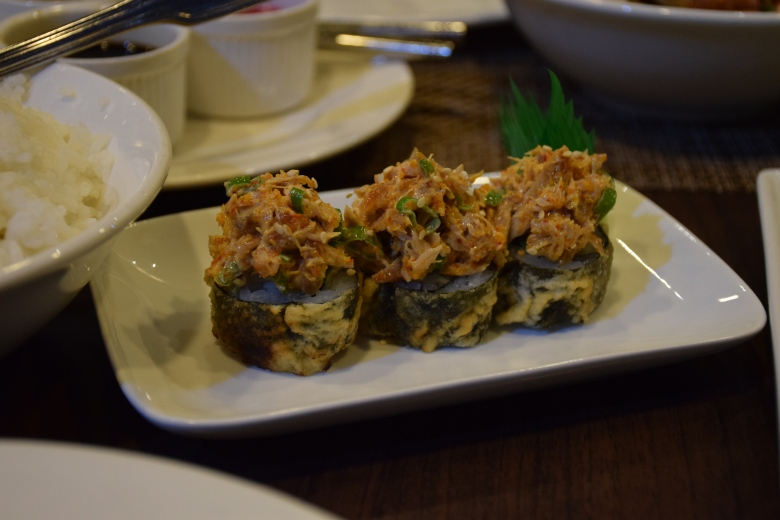 Spicy crispy tuna rolls